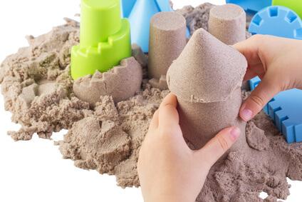 Kinetic Sand ®** burgen bauen